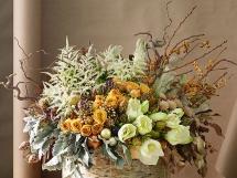искусственные и сухие цветы в интерьере кваритры