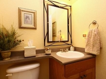 структурная краска на стенах в ванной комнате