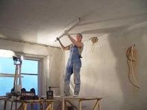 технология выравнивания потолка штукатуркой