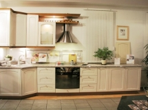 светлые кухни классика