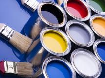 Какой краской и в какой цвет покрасить потолок