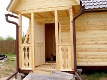 деревянное крыльцо для дачи с козырьком