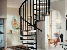металлическая винтовая лестница на второй этаж