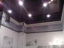 Натяжной потолок в ванной комнате, цвет потолка в ванной