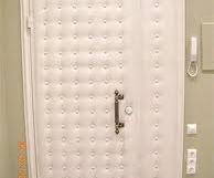 Отделка входной двери дерматином своими руками