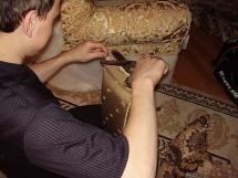 замена старой обивки на диванах и креслах
