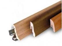 Плинтус напольный деревянный фото
