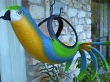 Поделка из старой покрышки попугай
