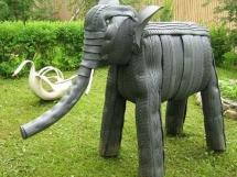 фотографии поделок из покрышек слоник