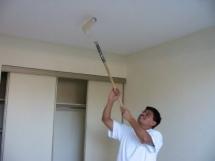 Технология покраски потолка своими руками