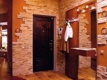 фото красивых коридоров с отделкой искусственным камнем