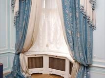 голубые шторы для зала