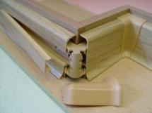 kreplenie-i-montazh-plastikovogo-plintusa-s-kabel-kanalom