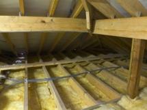 Утепление потолка минватой, опилками и пенопластом