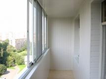 Отделка балкона пластиковой вагонкой фото